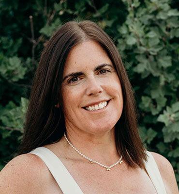 Suzanne Steven